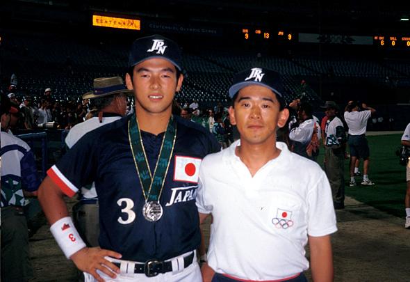 アトランタオリンピック会場での松中信彦選手(左)と著者