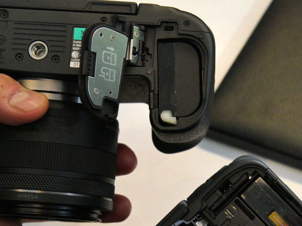 初心者向け「ミラーレス一眼カメラ」 タイプ別のおすすめ3選