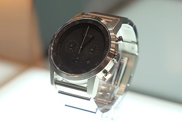 一見すると普通の腕時計に見えるソニーの「wena wrist」シリーズ