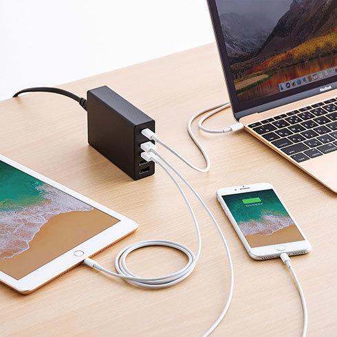 出力W数が大きければ、ノートパソコンの充電にも不安がありません。写真はエレコム「ACDC-PD0257BK」