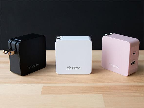 折りたたみ式ACプラグ一体型なら、持ち運びやすい。写真は「cheero 2 port PD Charger(PD18W+USB)」