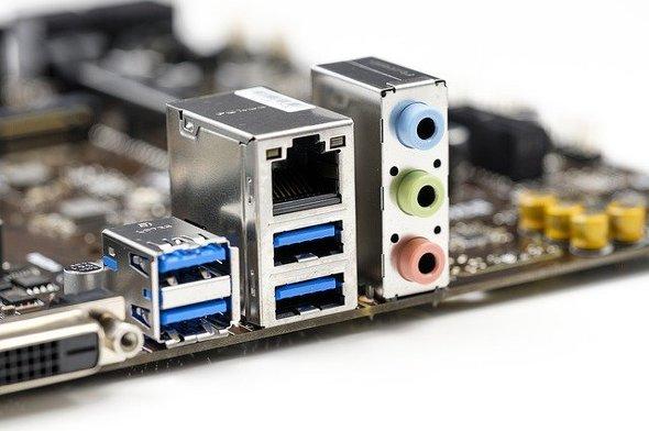 パソコン用ヘッドセット:接続方法も多種多様