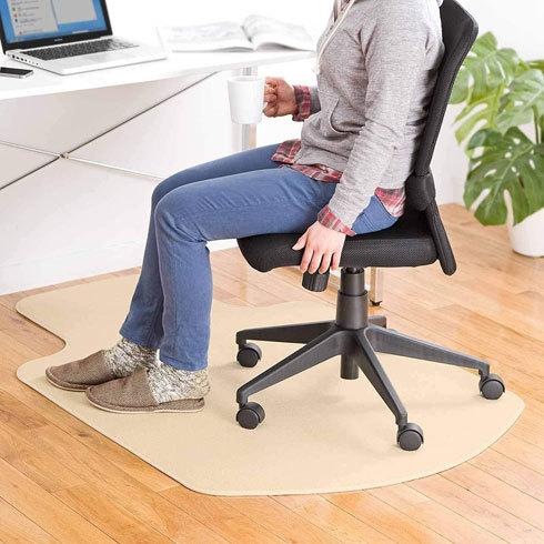 チェアマット:デザイン性にこだわるならカーペットタイプがおすすめ