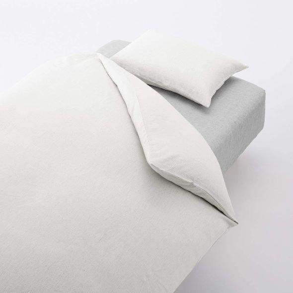 リヨセルと麻の混紡シーツ 無印良品「天然由来の接触冷感リヨセル麻ボックスシーツ」
