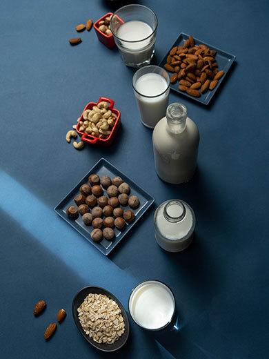 さまざまな植物性ミルク