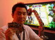 E3 2006「SCEブース」:カードを置くとモンスターが浮かび上がる——PS3のプレイアブルソフトを触ってきました