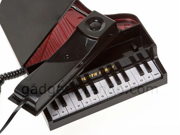 ah_piano2.jpg