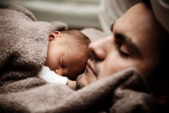 昼寝で業務効率アップ! 国も認める6つのオススメの昼寝方法