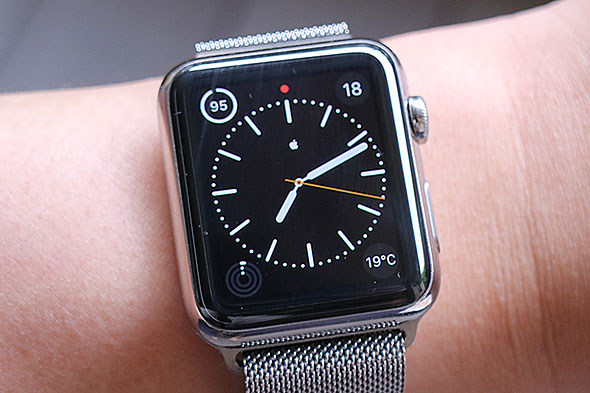Apple Watch�̃o�b�e���[�\��