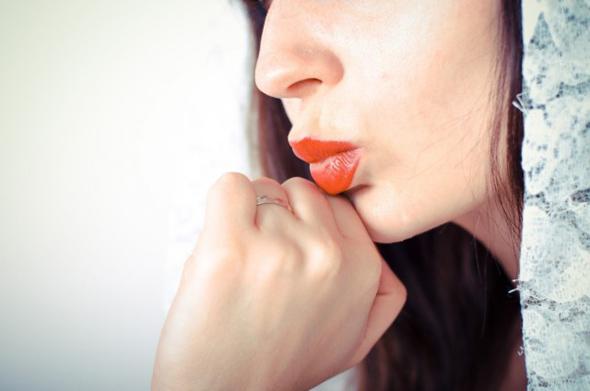 突然の歯ぐきの腫れや痛み……何が起こってるの?
