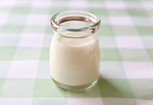 学校給食の「牛乳廃止」問題 栄養学的な問題は?