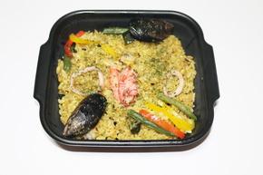 紅ズワイガニとムール貝の雑穀パエリア