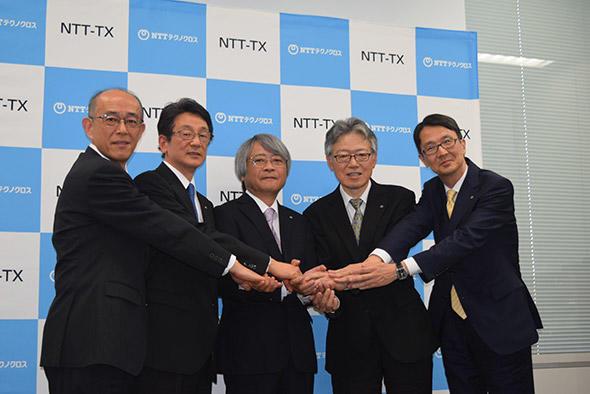 左から:端山 聡氏、鈴木茂房氏、串間和彦社長、石橋 聡氏、高間 徹氏