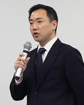 小川晋平氏