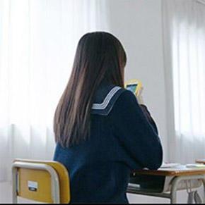 女子高生「りんな」LINE公式アカウントより