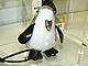 音楽を一緒に楽しむペンギン