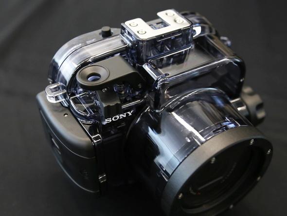 RX100シリーズ全モデルで使用できる耐圧水深40mの防水ハウジング「MPK-URX100A」