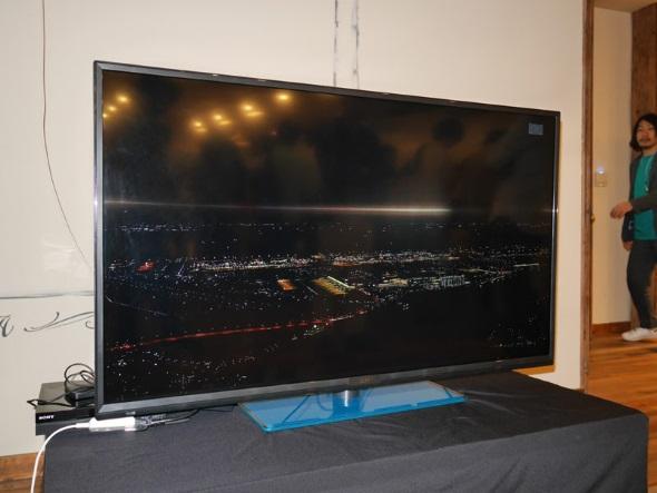 スペック誤表記が判明した「Q-display 4K50」