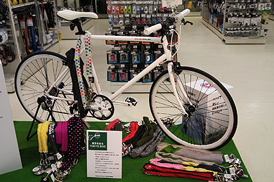 自転車の 自転車 始める : 長くて丈夫な専用のワイヤーで ...