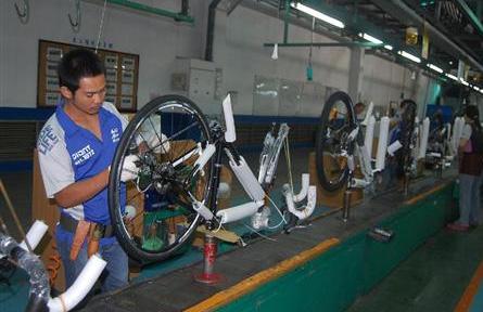 ジャイアント本社の自転車工場 ...