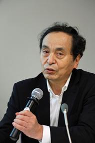 曽根泰教教授