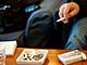 喫煙者の半数が「禁煙の店を出てほかへ行く」
