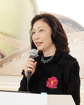 ボルメランジェ小林朱美子社長。11月19日に開かれた記者発表会にて