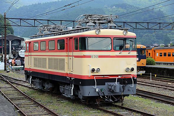 西武鉄道から購入した電気機関車。同型を3台購入したけれど、稼働していない