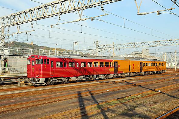 JR四国の観光列車「伊予灘ものがたり」