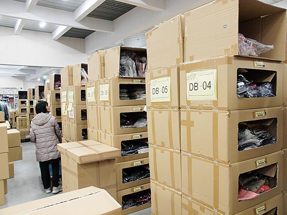 倉庫では商品カテゴリーごとにロケーションを分けている。そのロケーション数は細分化すると5万に上る