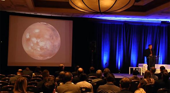 「NewSpace 2014」の講演の様子(出典:YouTube)