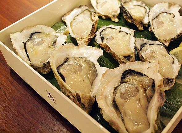 拡大を続ける日本のオイスターバー市場。生ガキが食べられる飲食店も増えた