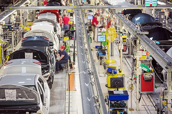 トヨタは北米に複数の工場を持つ。写真はミシシッピー工場の生産ライン