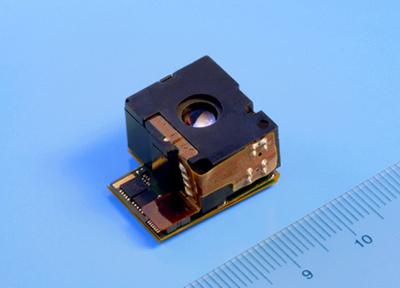 写真 5メガピクセルのCMOSセンサを搭載したカメラモジュール