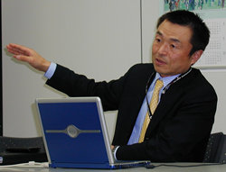 アイピーフレックス代表取締役社長 CEO 萩島功一氏