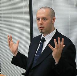 アナログ・デバイセズ Japan リージョナル ディレクター(GP-DSPプロダクツ ディビジョン) ポール・ウィラー氏