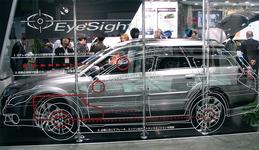 図1 富士重工業のEyeSightの技術展示