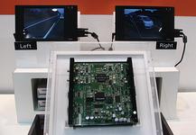 図8 東芝の認識機能付き電子ミラー表示システム