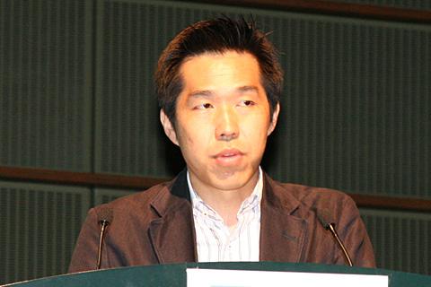経産省 商務情報政策局 情報経済課の伊藤慎介課長補佐