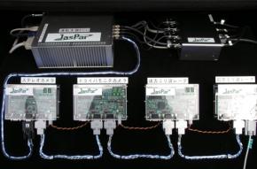 写真4安全制御システムを構成する5つのECU