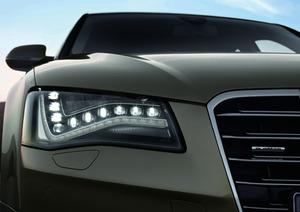 写真3「AudiA8」のフルLEDヘッドライト(提供:Audi社)