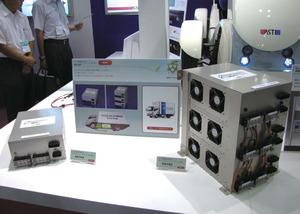 写真10いすゞ自動車のPHEVトラックに採用された車載充電器