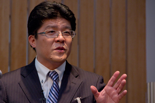 日本IBM 自動車産業ビジネス開発 部長 江崎 智行氏