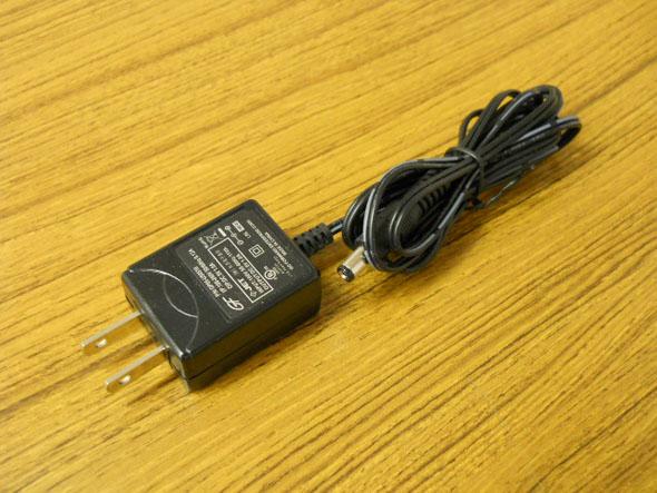 電源アダプター(5V)