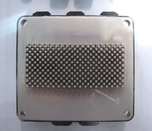 写真3「直接水冷IGBTモジュール」
