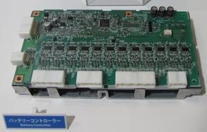 写真1 「リーフ」向けの2次電池管理用ECUで用いられている基板