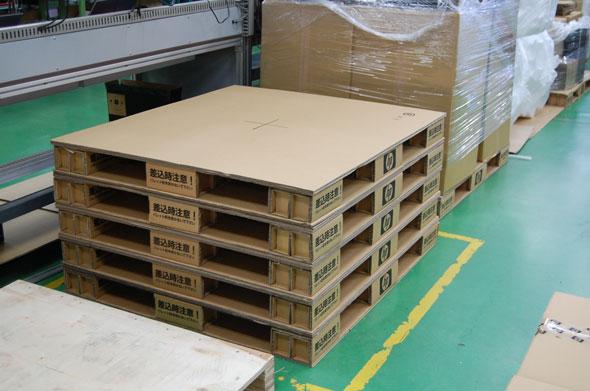 昭島工場で使われている段ボールパレット