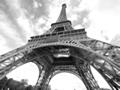 パリがEV先進都市に変身、3000台のシェアリングに取り組む