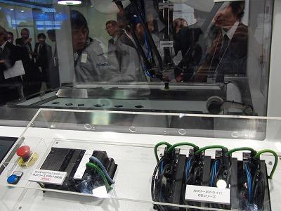 Sysmac NJシリーズ ロボット対応版(参考出展品)とACサーボドライバ G5シリーズ