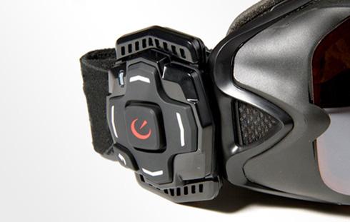 付属のコントローラー(Bluetoothで接続)
